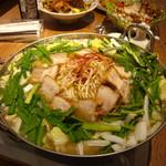 山珍 - 11時間煮込んだスープがとろとろ角煮とマッチ!