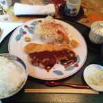 和ビストロ 桂 - 日替わり定食(月)豚カツとエビフライ