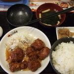 32036729 - ピリ辛鶏の唐揚げ定食 500円