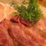 32036741 - 鶏の刺身は新鮮で美味っ!