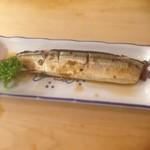とんかつ 安右衛門 - 秋刀魚の柔らか煮       骨まで食べられます