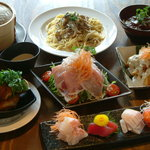 ウネリ - 料理写真:各種宴会ご予約受付中です♪お一人様 3000円より