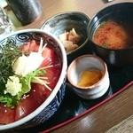 32041795 - マグロ赤身丼1380円☆