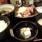 九州 熱中屋 - から揚げメインみたいになってますががめ煮定食です