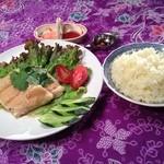 ケニーアジア - 【海南チキンライス】ハラル鶏肉使用。ジューシィ絶品