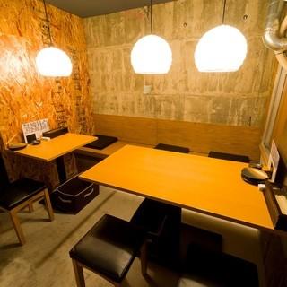 立ち飲み&テーブルの二つの空間が魅力◎