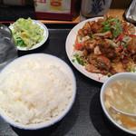 中華定食 笑飯店 - ユーリーチー定食これで小Σ(・□・;)