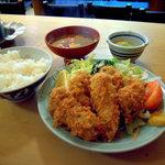 大衆割烹 三州屋 - カキフライ定食