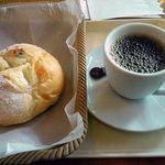 エピシェール戸田店 - コーヒーとパン