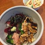 梅寿司 - ランチ  穴子とマグロ漬け丼  小鉢・赤だし付き♪