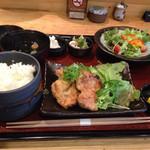 32068886 - 鶏もも生姜焼定食〜( ^ω、^ )/¥950円♪