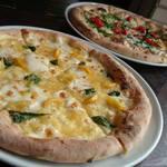 窯焼きビストロ 博多 NUKU NUKU - 石窯はピザはスタンダードからオリジナルまで10種ほど