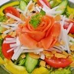 酒彩 羽々和 - スモークサーモンと大根のサラダ