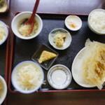 中華料理福泉餃子 - 友人の餃子定食