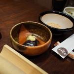 銀座平田牧場 - ご飯セット(ご飯・味噌汁・小鉢・香の物)+500円 とすり胡麻 2014.10.3x