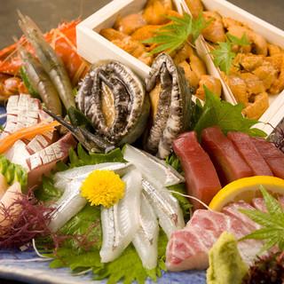 コースや宴会など仕入れによって変わる魚メニューは100種以上