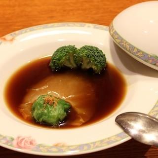 厳選高級食材を使用した中華料理の数々