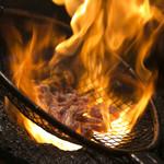 もも焼き百百ちゃん - 強火で豪快に炙ります!