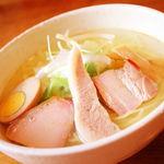 らーめん厨房 どる屋 - 料理写真:鯛だし焼豚麺スペシャル(塩) 850円