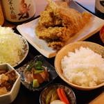 鶏の三平 - ★唐揚げに鳥もつ、鳥わさ、自慢の3品が入った三平定食 1800円