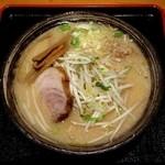 さんげつ - 並麺・太(830円)