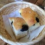 32115898 - 自家製パン
