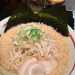 麺匠 がむしゃら - とんこつしょうゆ 太麺