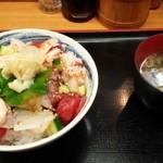 32120646 - サービス丼 味噌汁つきで600円!