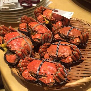 新世界菜館 - 蒸しあがった上海蟹