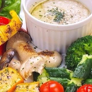 ♪季節の野菜が食べれるバーニャカウダー♪