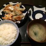 黒兵衛 - おひるごはん600円(餃子10コ、ごはん、おみそ汁)