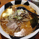 32133585 - 味噌きのこバターらー麺(830円)