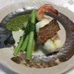 オステリア アネッロ - 料理写真: 鯛と赤海老、湯葉の白ワイン蒸し   春菊のソース
