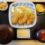 山正 - 「魚フライ定食」1,030円。