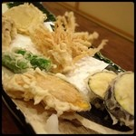 いしかわ - しめじ、茄子、ししとう、カボチャ、えのき、玉ねぎの天ぷら(•ॢ◡-ॢ)
