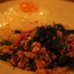 Monsoon Cafe - 1260えん『ガパオ炒めご飯鶏肉タイライス』2014.10