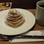 32156657 - ケーキセット:モンブランとブレンドコーヒーをチョイス^^;