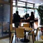 東横INN - ロビーに無料利用ができるPCが2台設置されて居ます。