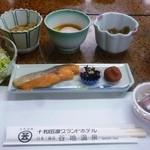 谷地温泉 - 朝食
