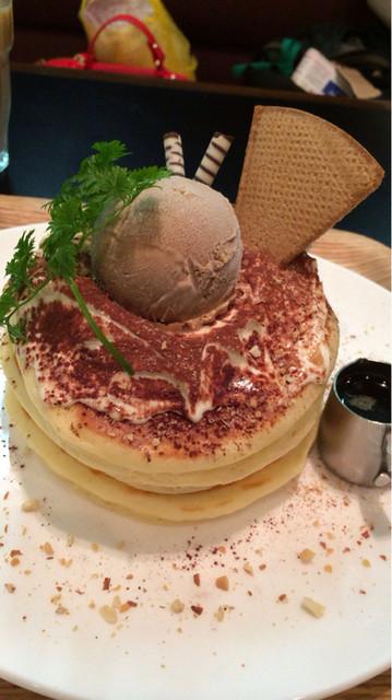 コラソンカフェ - 季節のパンケーキ(ティラミスパンケーキ)