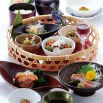バレル・バレープラハ&GEN - 料理写真:麹籠盛膳~さつま~