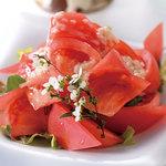 バレル・バレープラハ&GEN - 塩麹トマトサラダ