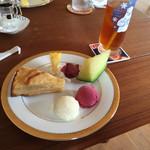 カフェ よくなるよくなる - 料理写真:ケーキセット500円