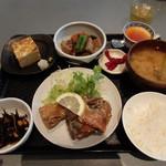ジャスミン食堂 - メインは鯖の唐揚げ(400円)