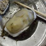 かき小屋 - おおきな牡蠣