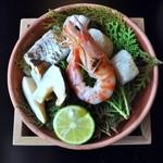 32173482 - 宝楽…車海老・白身魚・焼松茸・貝柱(すだち・加減酢)