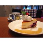 32174597 - ベイクドチーズケーキセット¥700