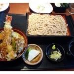 徳樹庵 - ミニ天丼・麺ご膳(990円:税別)・・こちらは「麺」がメインです。