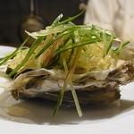 ビストロ ア ヴァン オー ルージュ - 生牡蛎