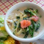 RESTAURANT+CAFE  Dahlia - アサリとホウレン草のスパゲティ